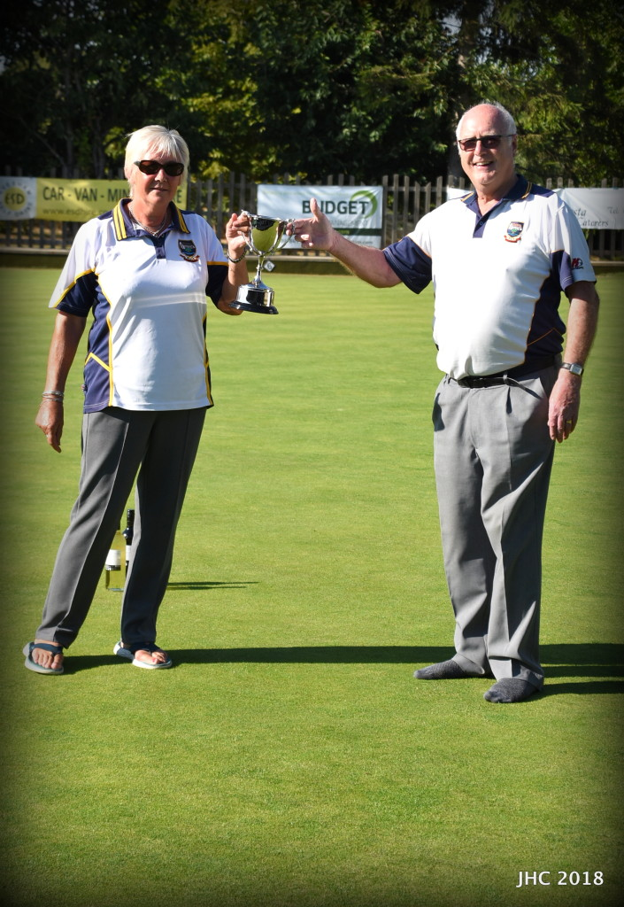 Linda Ogg and Dave Smith win the Federation Cup